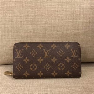 Кошелек LOUIS VUITTON MONOGRAM ZIPPY LUX