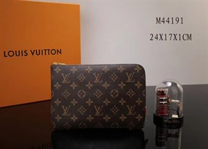 Клатч LOUIS VUITTON Etui Voyage Monogram